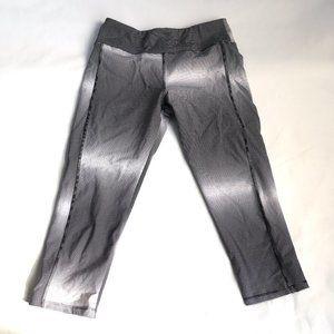 Lululemon crops black white stripes gradient capri tights yoga pants size 8